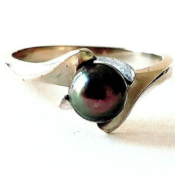 1960s cultured pearl ring   black pearl ring   10k