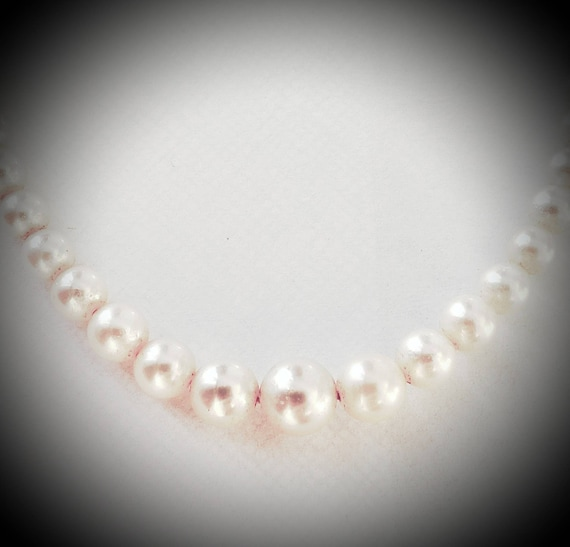 Cultured pearls | pearl graduation necklace | pear