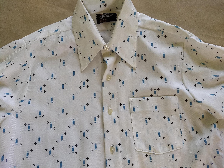 1970s Mens Shirt Styles – Vintage 70s Shirts for Guys Vintage Mens Button Up Wide Collar Shirt - WhiteBlue Geometric Print $0.00 AT vintagedancer.com