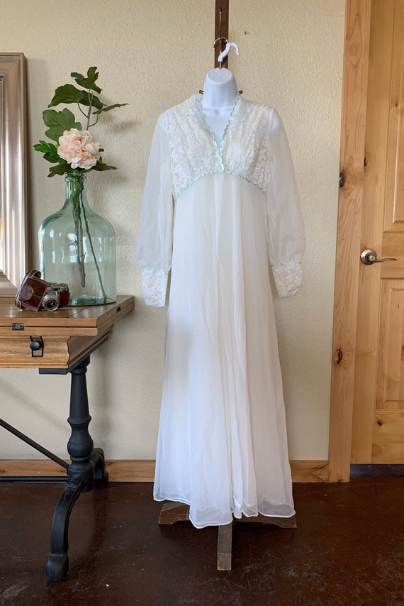 Vintage 1970's Shadowline Nightgown and Robe Cover