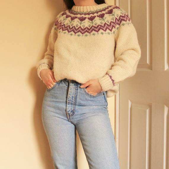 Hand Knit Tulip Wool Pullover