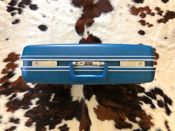 Vintage 1970's Samsonite Senrty Blue Travel Luggag