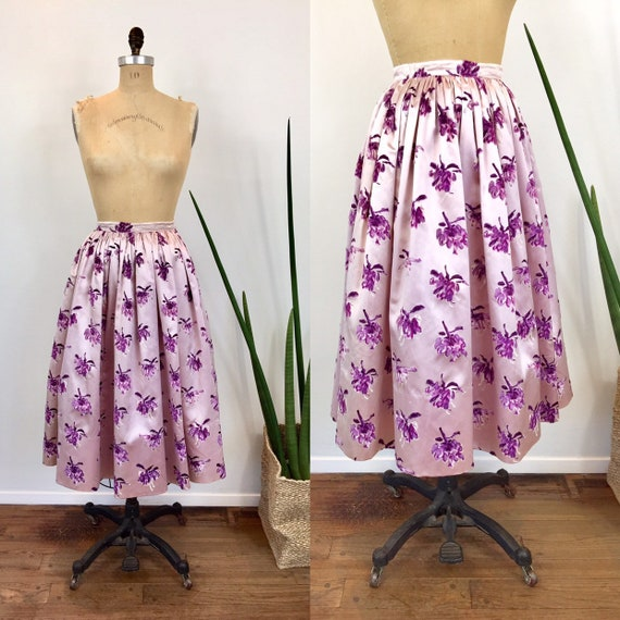 1950s Vintage FLOCKED FLORAL Lilac SILK Pleated Sk