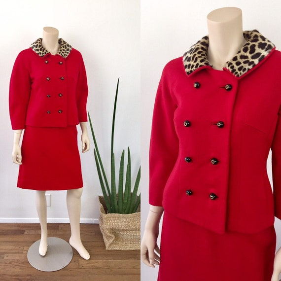 1960s Vintage CHERRY RED Wool LEOPARD Collar Townc