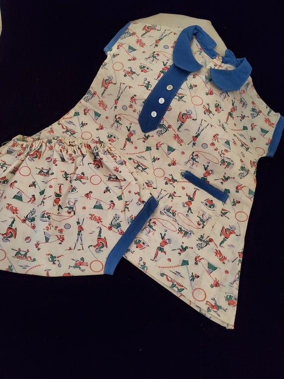 Vintage 1930's to 1940's Child's Play Dress with B