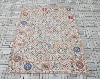 Uzbek Silk Handmade Suzani Bedspread, Embroidery Suzani Bed Cover, Suzani Linen, Authentic Vintage Suzani Blanket