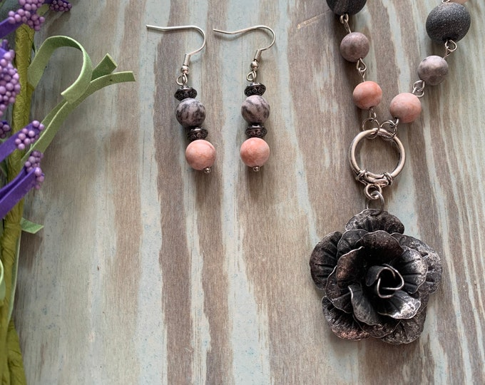 Flower/BOHO necklace, bracelet and earrings jewelry set for woman. Gold, Antique Silver and Copper Heart pendant. Two lengths. Vintage Look.