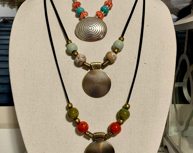 Vintage style necklace - Adjustable length sweater necklace - Jewelry set - BOHO earrings - Antique bronze pendant - Beaded necklace