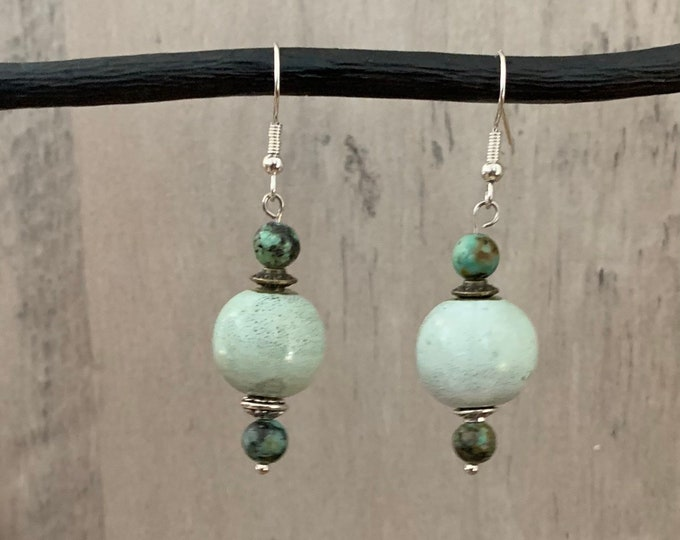 BOHO, Natural African Green Gemstone.  Energy Healing Bead necklace and matching earrings. Jewelry set for women.