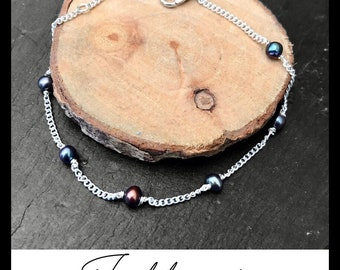 Freshwater cultured pearls bracelet