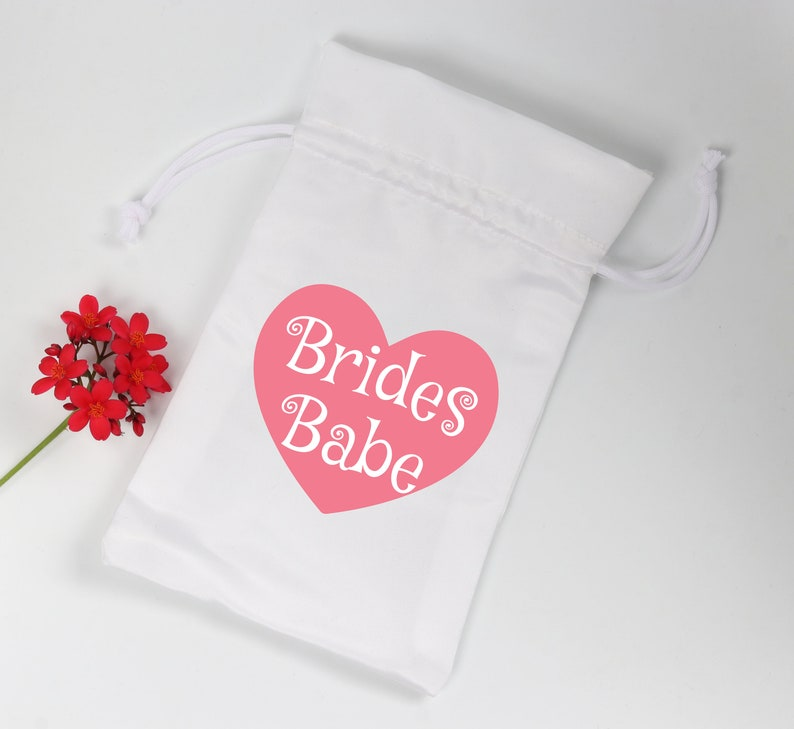 Brides Babe Bridesmaids/' Gift bags Wedding Favor bags Survival Kit Custom favor bag Goodie Bags Party bags Personalized Custom Favor Bags
