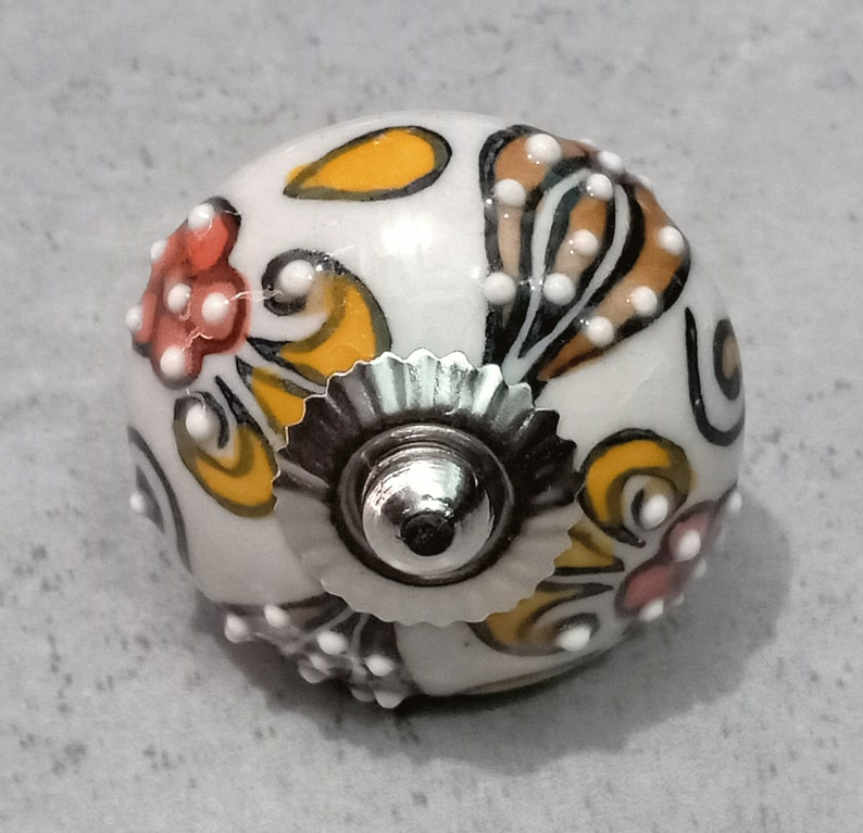 Mix Color Embossed Fl Round Shape, Hand Painted Round Cabinet Knobs