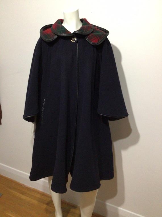 Vintage Black Wool cape, plaid interior, detached… - image 1
