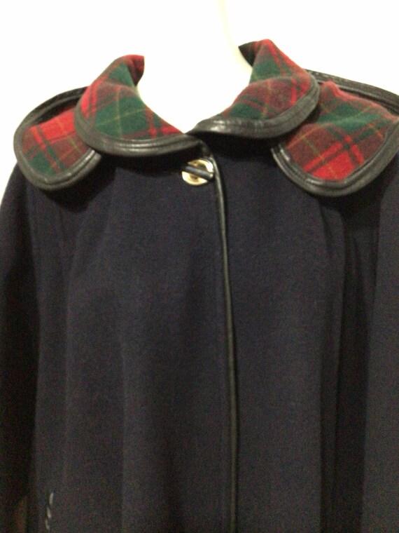 Vintage Black Wool cape, plaid interior, detached… - image 2