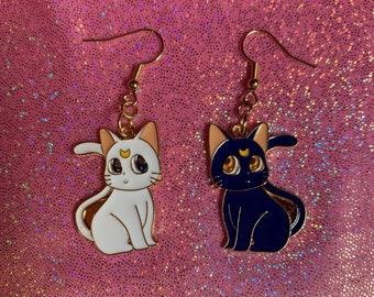 Artemis Love Earrings
