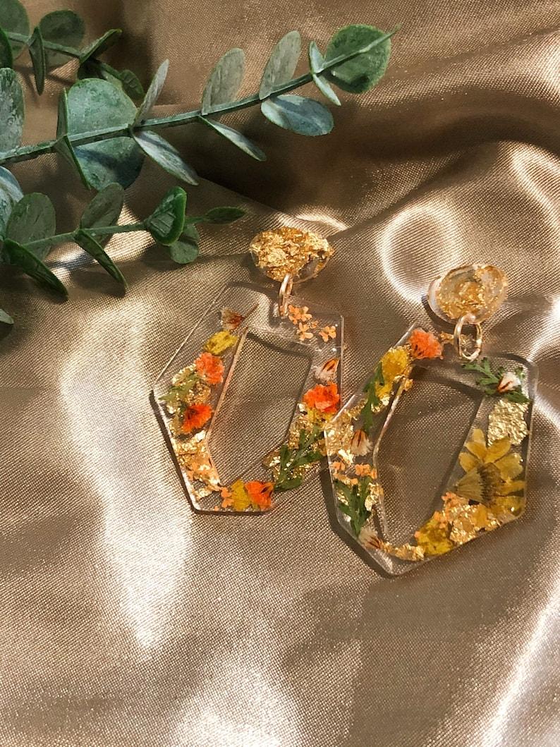 Resin Earrings with dried flowers Dangle & Drop Earrings Earrings ...