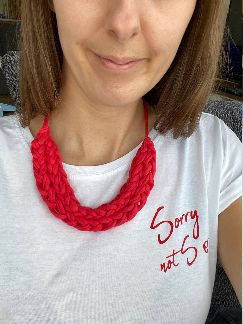 gift for her Bright pink necklace gift for mum T-shirt yarn coral necklace chunky pink necklace finger knit necklace