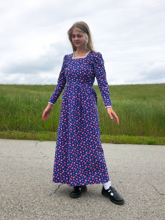 60's Bright Blue Heart Prairie Dress