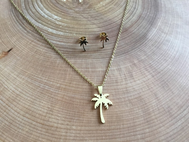 Palm necklace and earrings set