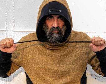 Cross-neck sweatshirt with hood.