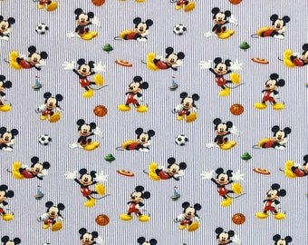 100/% Cotton Christmas Characters Print Craft Fabric D#238