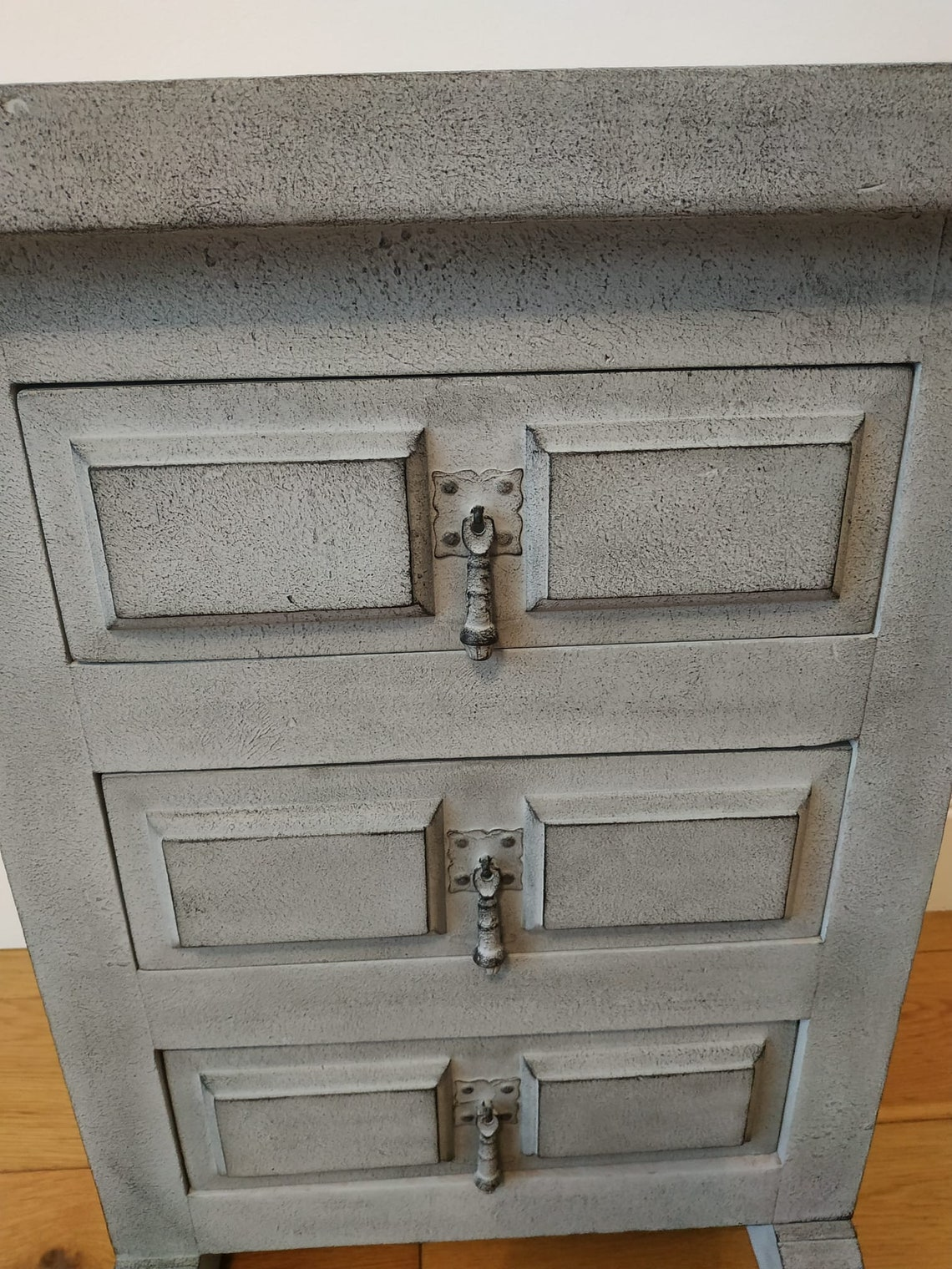 Small pine side table upcycled concrete effect.