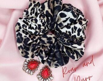 elastic fabric Chouchou scrunchy Green Leopard