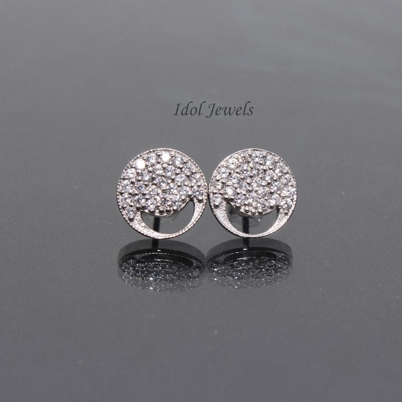Glowing Wedding CZ Round Earring-Cubic Zirconia Stud-White Stud-Bridal Earring-Mother of Bride Jewelry-Wedding Earring for Bride-Gift Her