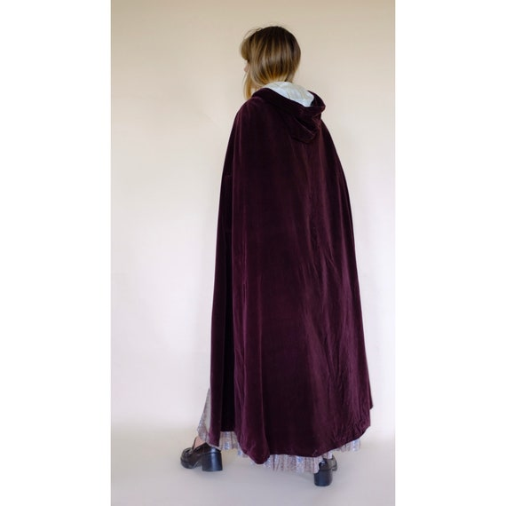 Vintage 60s/70s Brown Velvet Maxi Cape Robe Coat … - image 6