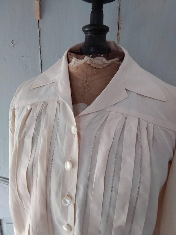Pretty 1930s rayon chemise