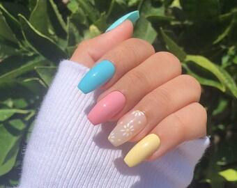 spring flower nails   spring nails   flower nails   flower press on nails   press on nails   press ons   high quality nails   short nails