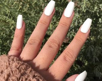 press on nails   one color nails   reusable nails   glue on nails   black nails   short nails   long nails   coffin nails   ballerina nails