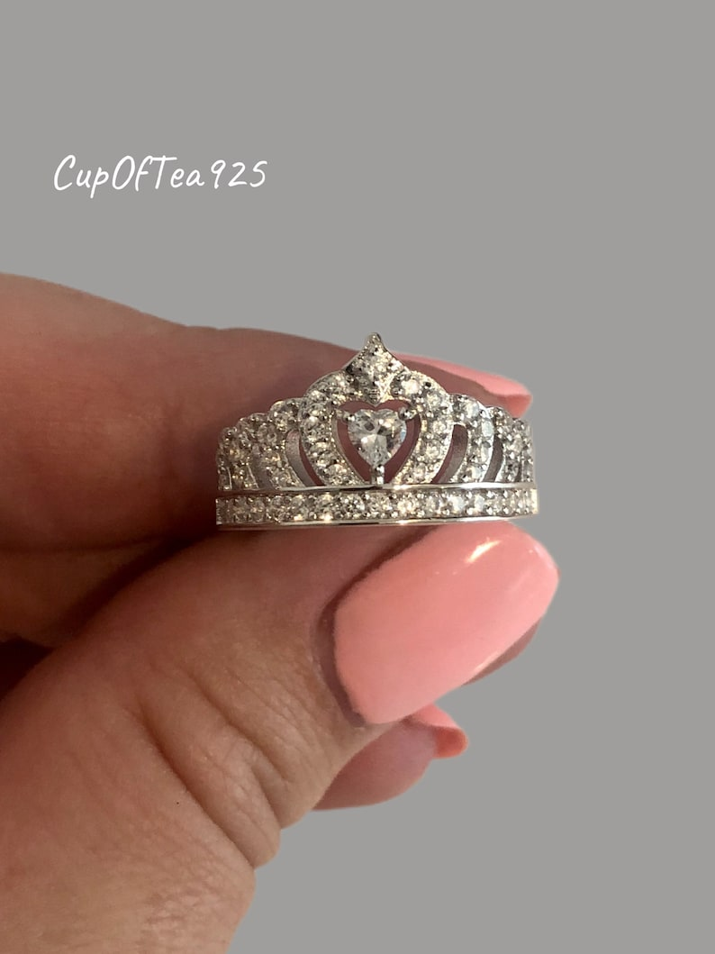 50/% Off Stunning Sterling Silver 925 Queen Crown Ring With Man Made Diamonds