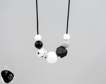 Still chain with silicone beads   terrazzo, black, grey and white   Mamakette   Carrying chain   Toothing chain