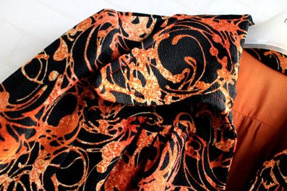 Japanese Orange And Black Pattern 60s Collar Japa… - image 4
