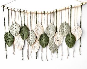 Macrame Wall Hanging with Green Feathers | Large Boho Macrame Wall Hanging | Green Wall Decor | Wall Decor over Bed | Macrame Driftwood