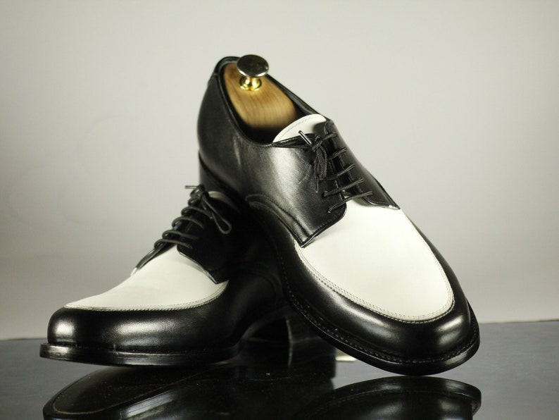 Men's 1950s Shoes Styles- Classics to Saddles to Rockabilly     Handmade Mens Black White Leather Formal Dress Shoes Mens Two Tone Stylish Oxford Shoes $114.99 AT vintagedancer.com