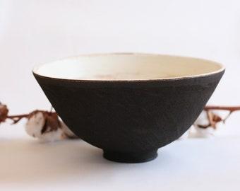 Black Ceramic bowl   Large serving bowl   Japanese style pottery