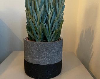 CONCRETE   CEMENT POT - Plant Pot Extra Large 'low stripe'