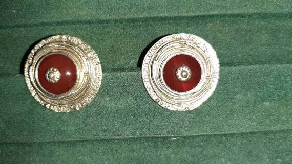 Vintage clip-on earrings - image 2