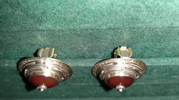 Vintage clip-on earrings - image 3