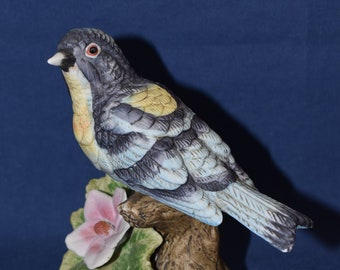 signed by Jonathan Byron Royal Crown Hummingbird Feeding Babies in Nest Floral design Porcelain Figurine