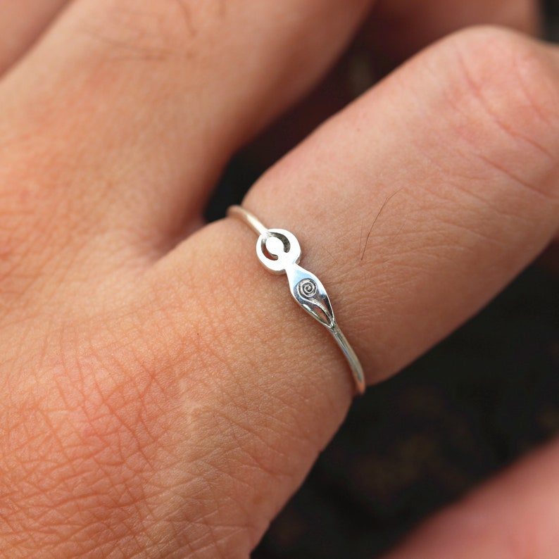 Goddess silver ring,Mother Earth ring,Spiral Goddess ring,Egyptian ring,Female symbol,Pagan jewelry