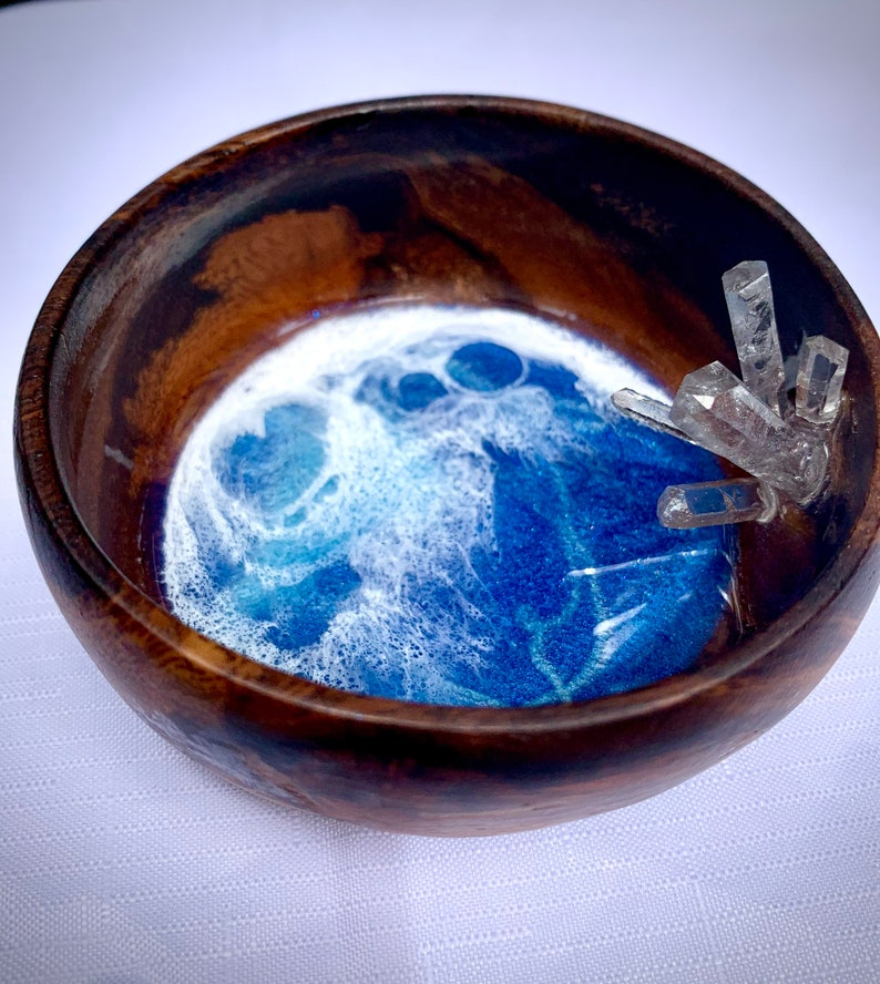 Wooden Trinket Dish with Ocean Resin and Real Quartz Crystal embelishment Jewelry Dish Decoritive  Dish,Jewelry Display