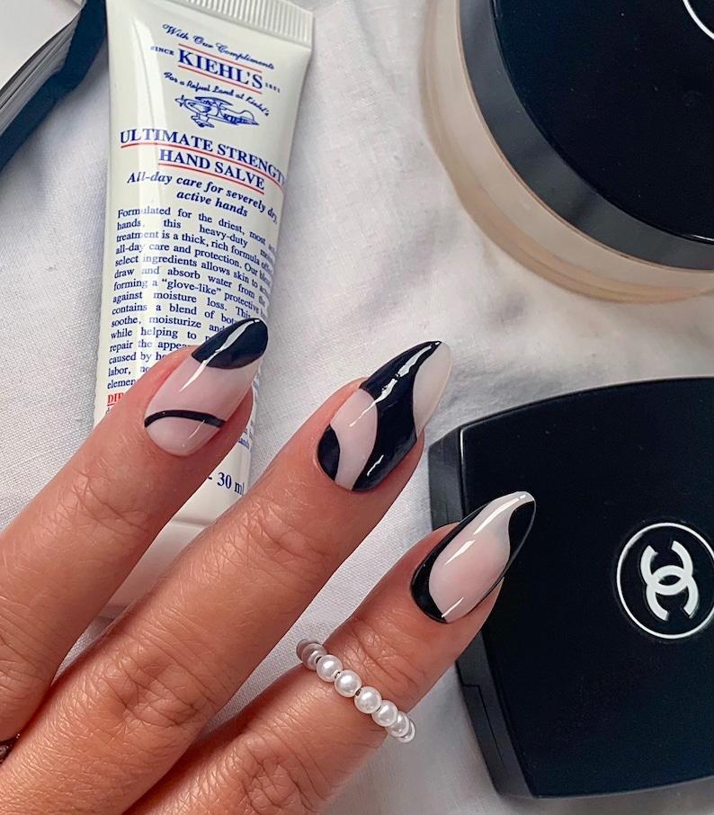 COCO ABSTRACT press on nails  Reusable press on nailsMinimal image 0