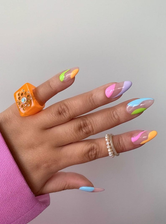 LOLA ABSTRACT press on nails  Reusable press on nailsMinimal image 1