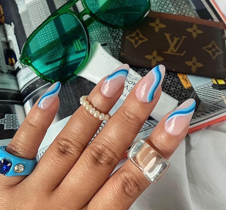 HARLOW ABSTRACT press on nails  Reusable press on image 0