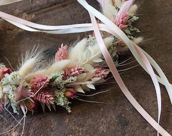 Head wreath made of dried flowers