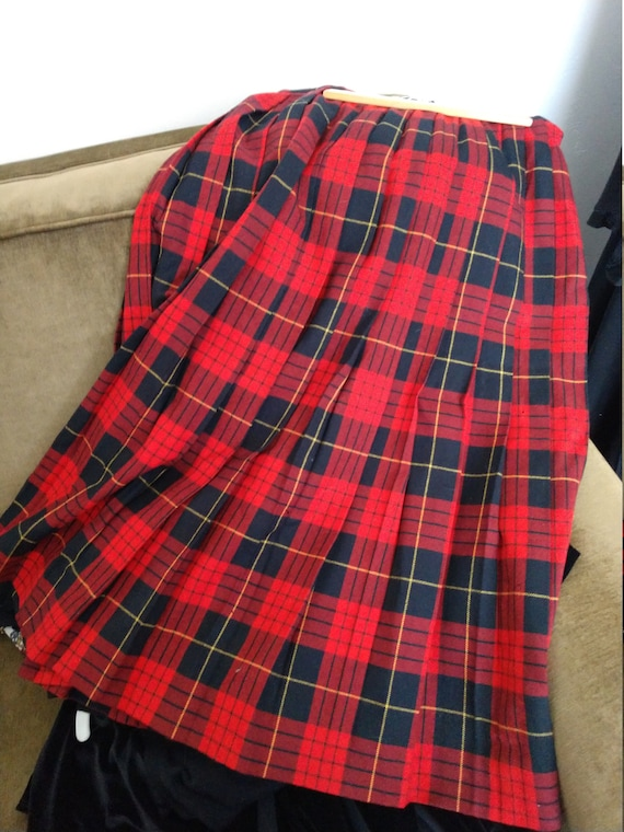 Woman's Wool Tartan Hostess Skirt