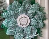 Christmas wreath, DECO mesh wreath, tis the season wreath, handmade, farmhouse, snowflake mesh